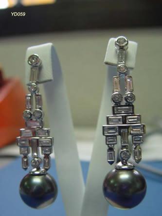pendientes con brillantes joyas