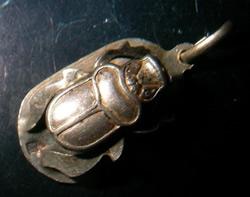 escarabajo egipcio oro plata