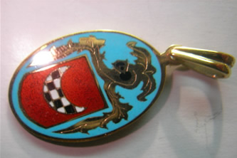 colgante escudo heraldico